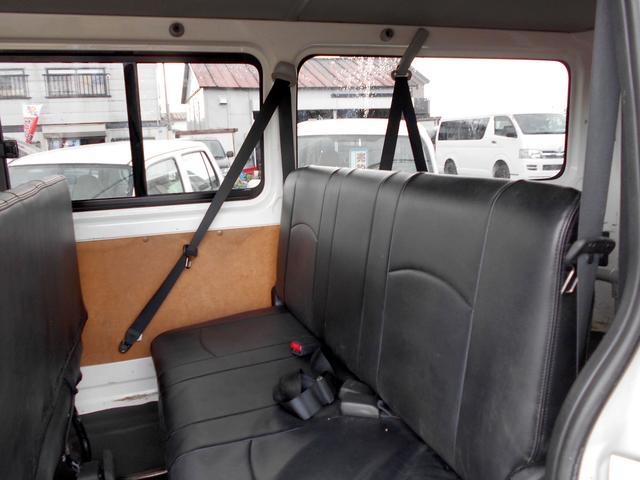 ロングDX 4WD 3.0DT リアヒーター 寒冷地仕様 LEDテール 4型フェイス スポイラー 9人乗り(24枚目)