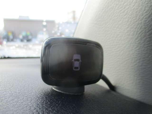 コーナーセンサー付きで車庫入れもぶつける事が少なくなりそうですね(^^)