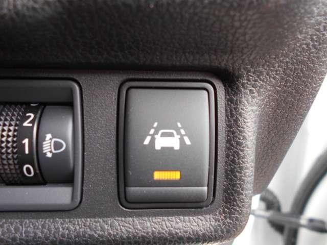 e-パワー X 試乗車UP エマブレ 車線逸脱防止警報 踏み間違い防止機能(9枚目)