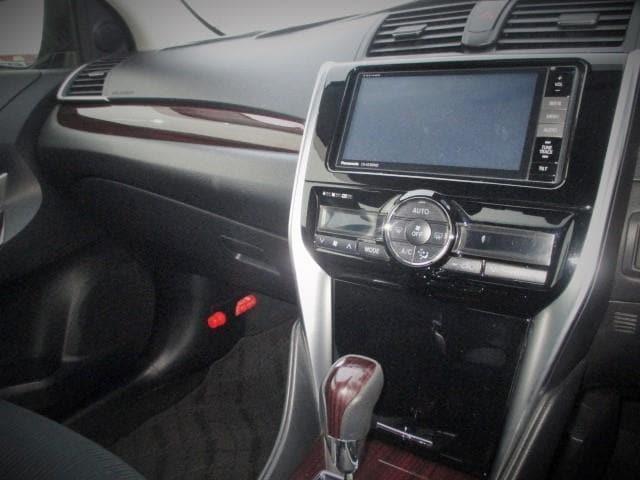 A18 Gパッケージ 4WD メモリナビ フルセグ バックカメラ 寒冷地仕様 LED ワンオーナー スマートキー(8枚目)