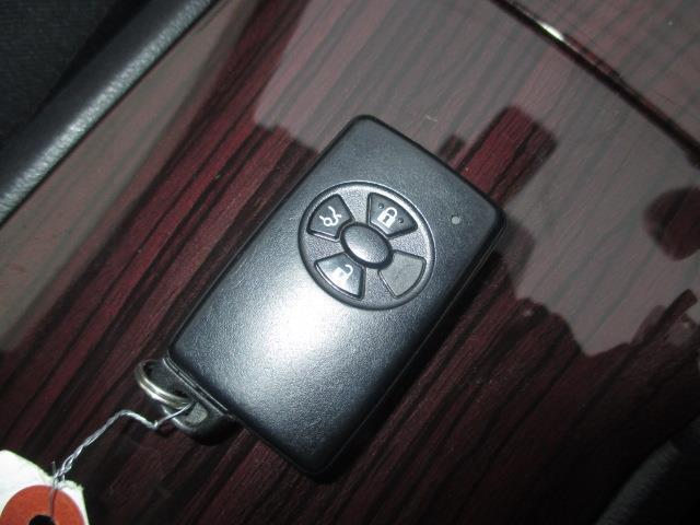 A18 Gパッケージ 4WD メモリナビ フルセグ バックカメラ 寒冷地仕様 LED ワンオーナー スマートキー(18枚目)