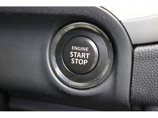 プッシュスタートボタンです。スマートキータイプのお車なので、こちらのボタンでエンジンをスタートさせます。