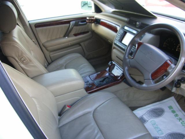 トヨタ クラウンマジェスタ 4.0Cタイプi-Four 4WD サンルーフ エアサス
