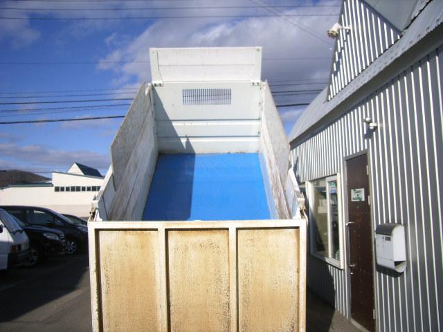 2トン深ダンプ ファームダンプ 4ナンバー 冬タイヤ(9枚目)