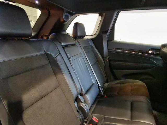 トレイルホーク 限定車 4WD ワンオーナー/禁煙車/ナビ/スマートキー/アダプティブクルーズコントロール/アルパイン製プレミアムサウンドシステム/レザーシート(スエードインサート入り)/パワーリアゲード(13枚目)