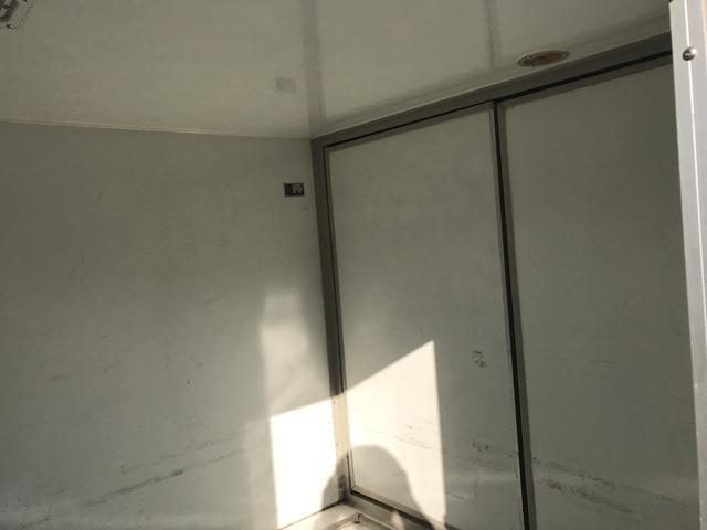 ベースグレード 冷凍冷蔵 4WD バックカメラ 冬タイヤ有(8枚目)