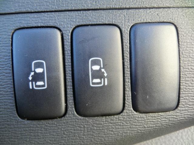 トヨタ アイシス プラタナGエディション4WD禁煙車 純ナビ両側パワースライド