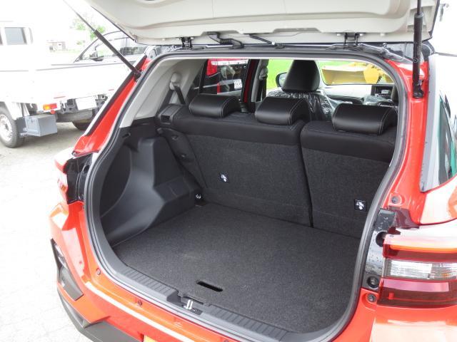プレミアム軽減ブレーキ4WD 登録済未使用車(12枚目)