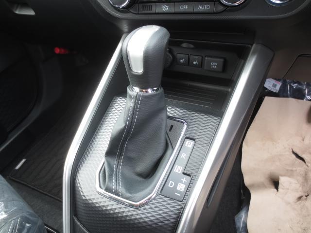 プレミアム軽減ブレーキ4WD 登録済未使用車(17枚目)