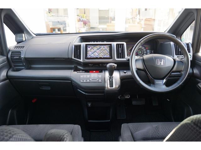 ホンダ ステップワゴンスパーダ Z 4WD 社外HDDナビ 18インチアルミホイール