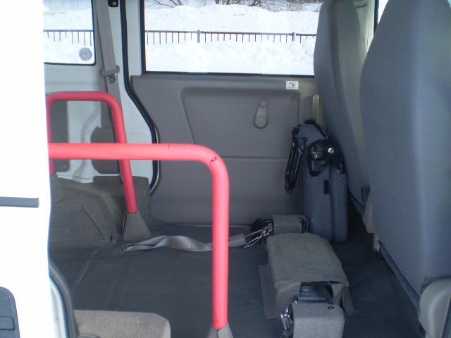 車椅子移動車 切替式4WD 福祉車両 スローパー(12枚目)