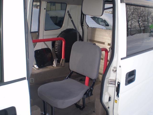 車椅子移動車 切替式4WD 福祉車両 スローパー(13枚目)