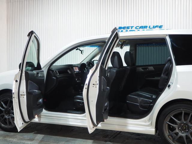 2.5i-Sアルカンターラセレクション 4WD スカイルーフ メモリーナビ 地デジTV バックモニター 後席用モニター スマートキー プッシュスタート クルーズコントロール ワイパーデアイサー 18AW 7人乗り 1年間保証・走行距離無制限(10枚目)