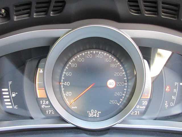 ボルボ ボルボ V40 クロスカントリー D4 サマム プレミアムサウンド