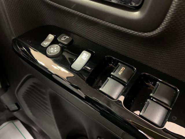 ハイブリッドXS 4WD 登録済み未使用車 スマートキー 両側パワースライド ABS 横滑り防止装置 シートヒーター 盗難防止装置 寒冷地仕様 アイドリングストップ(19枚目)