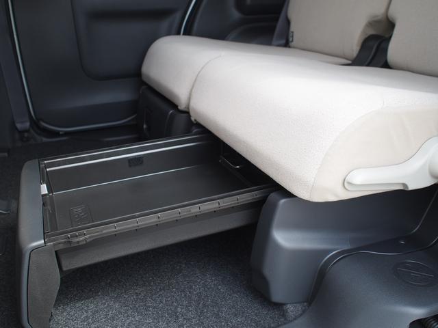 引き出し式の収納として使っても、またバッグ類の専用の置き場所として使うこともできます。