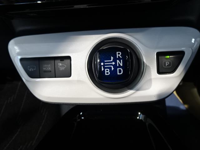 「トヨタ」「プリウスPHV」「セダン」「北海道」の中古車11