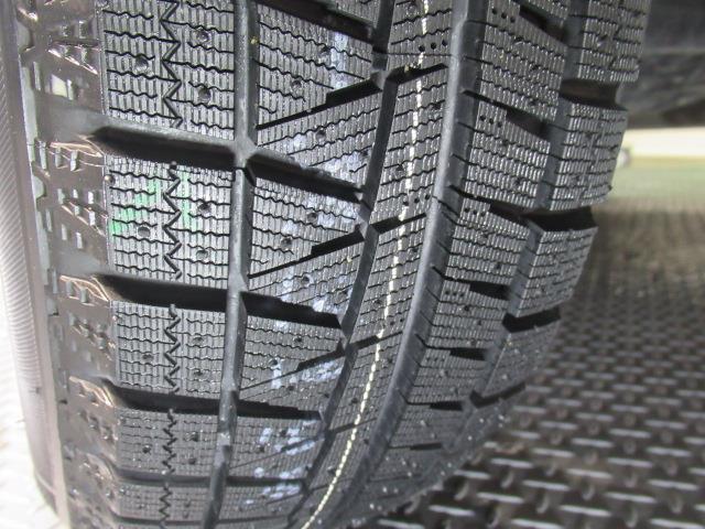 ☆装着タイヤ☆装着タイヤもしっかりと溝があります!