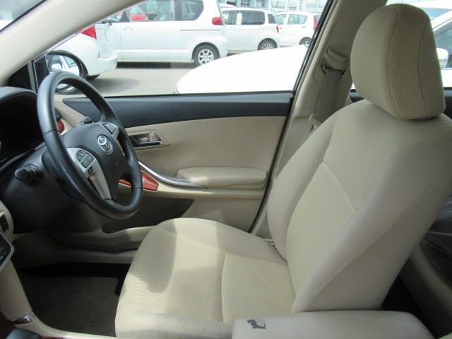 ☆運転席☆内装は広く快適に運転できます!
