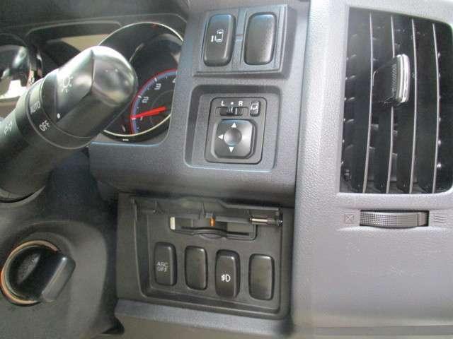 G ナビパッケージ 4WD ツインモニター(11枚目)