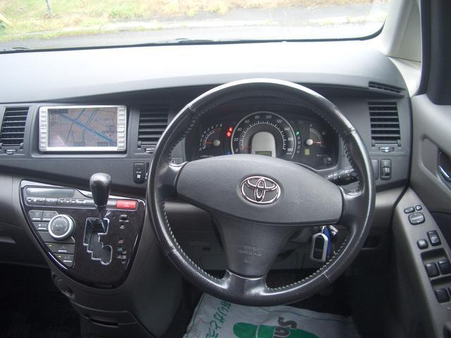 トヨタ アイシス プラタナ 4WD 1オーナー ナビ DVD Pドア エンスタ