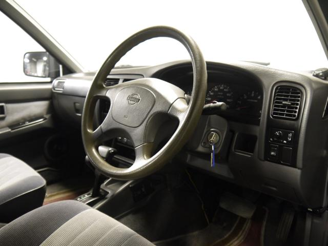 日産 ダットサンピックアップ Wキャブ 4WD