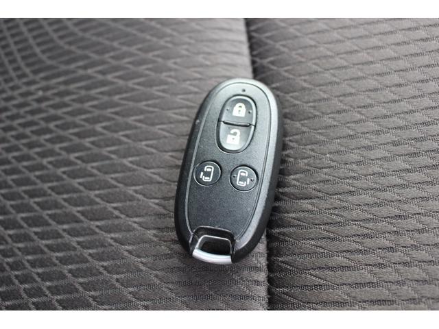 S 4WD 1年保証 両側パワスラ HID インテリキー(12枚目)