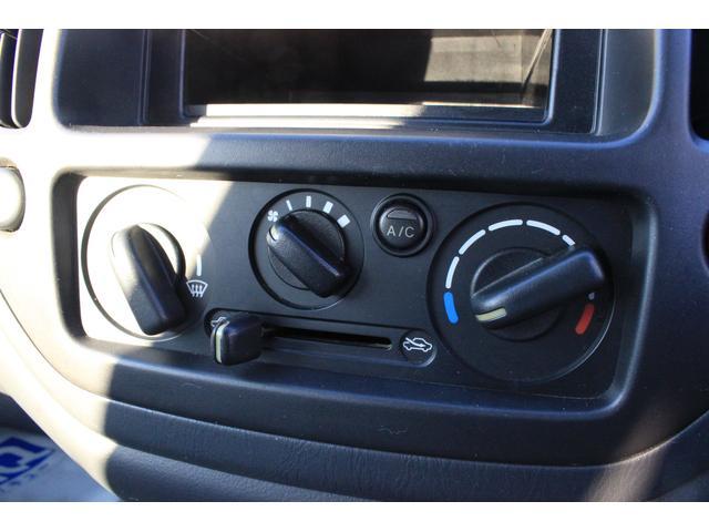 Bターボ 4WD 1年保証 5速マニュアル シートヒーター(8枚目)