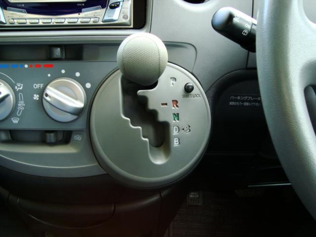 トヨタ シエンタ コーナーセンサー キーレス 7人乗り イージークローザードア