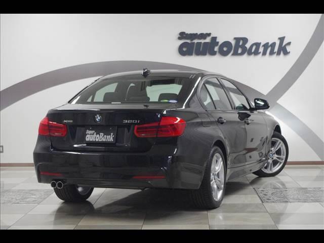BMW BMW 320i Xドライブ Mスポーツ 4WD LEDヘッドライト