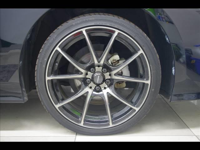 S 社外18インチアルミホイール 革調シートカバー デアイサー サンルーフ 社外ツインマフラー アルパイン9型ナビ 社外スピーカー プリクラッシュセーフティー LEDヘッドライト LEDルームランプ(9枚目)