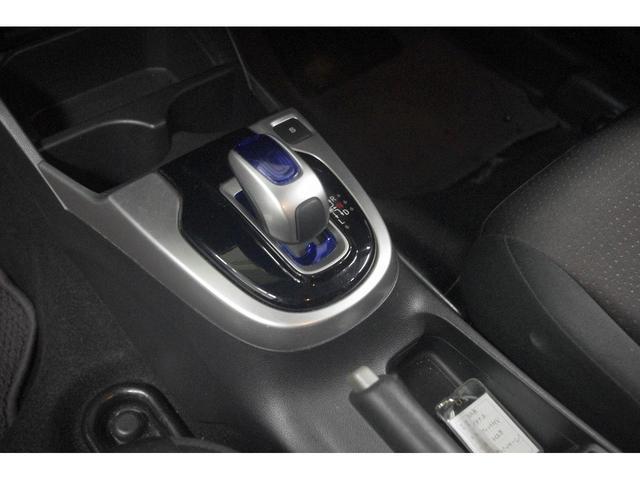 Fパッケージ 4WD メモリーナビ バックカメラ Bluetoothオーディオ ETC オートミラー デアイサー(30枚目)