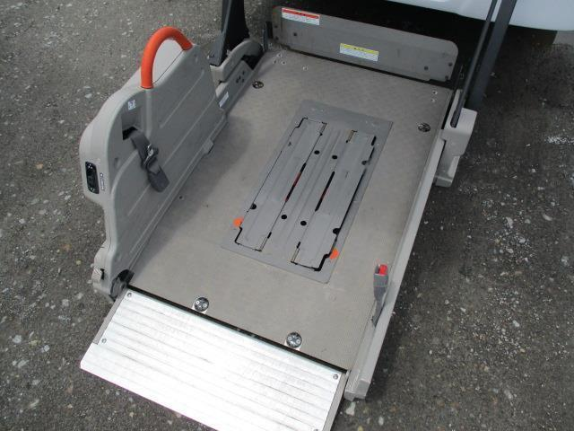 車椅子移動車 4WD 10人乗 オートステップ リアヒーター(4枚目)