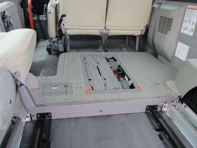 車椅子移動車 4WD 10人乗 オートステップ リアヒーター(17枚目)
