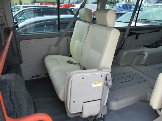 車椅子移動車 4WD 10人乗 オートステップ リアヒーター(20枚目)