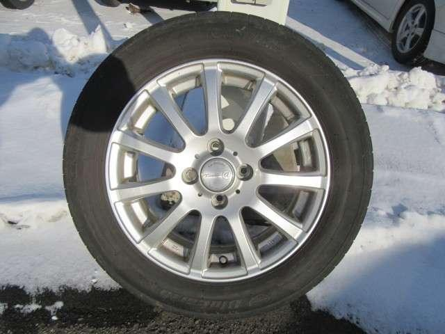 Fパッケージ 4WD 社外メモリーナビ 夏冬タイヤ(19枚目)