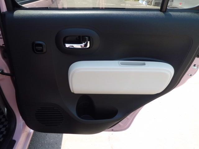 運転席側後席ドアパネルです!目立つような傷等はほとんどございません!