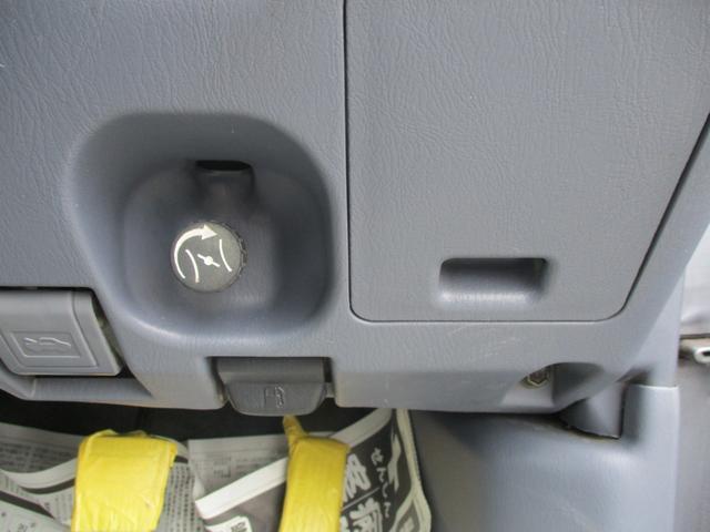 ダブルキャブ ディーゼル マニュアル  4WD(17枚目)