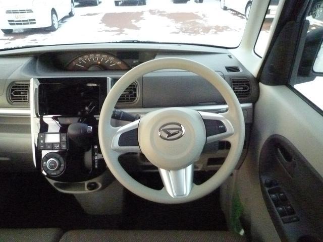 運転席まわり。