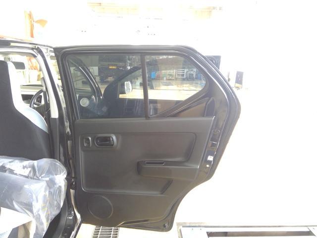 L 4WD アイドリングストップ キーレスエントリー エンジンスターター 運転席・助手席シートヒーター 夏冬タイヤ(24枚目)