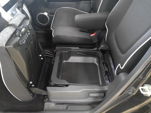 G 4WD キーフリー プッシュスタート カーナビ 運転席シートヒーター ヒルディセントコントロール オートエアコン スタッドレスタイヤ&アルミホイール(25枚目)