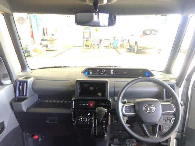 カスタムXセレクション 4WD スマートアシスト 両側パワースライドドア スマートキー LEDヘッドライト LEDフォグランプ オートライト オーディオレス オートエアコン 運転席・助手席シートヒーター 後席テーブル(15枚目)