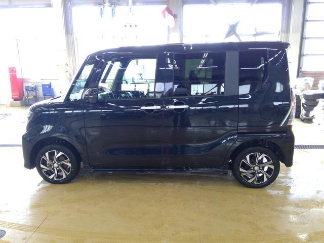 カスタムXセレクション 4WD スマートアシスト 両側パワースライドドア スマートキー LEDヘッドライト LEDフォグランプ オートライト オーディオレス オートエアコン 後席テーブル 運転席・助手席シートヒーター(5枚目)