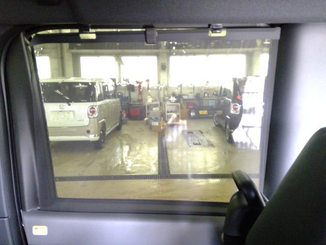 カスタムXセレクション 4WD スマートアシスト 両側パワースライドドア スマートキー LEDヘッドライト LEDフォグランプ オートライト オーディオレス オートエアコン 後席テーブル 運転席・助手席シートヒーター(13枚目)