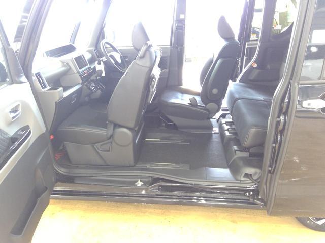 カスタムXセレクション 4WD スマートアシスト 両側パワースライドドア スマートキー LEDヘッドライト LEDフォグランプ オートライト オーディオレス オートエアコン 後席テーブル 運転席・助手席シートヒーター(30枚目)