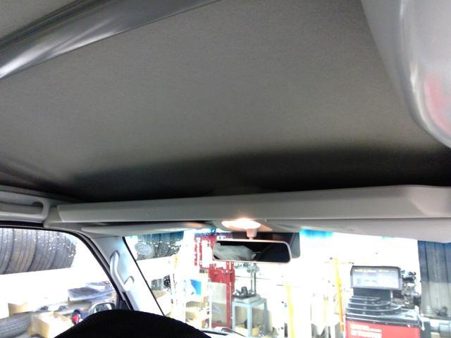 デラックスSAIII スマートアシスト パートタイム4WD 4速オートマチック LEDヘッドライト キーレスエントリー アイドリングストップ VSC(横滑り抑制機能) オートハイビーム 夏冬タイヤ(18枚目)