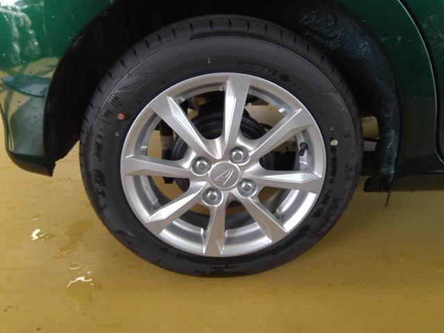 XリミテッドII SAIII 4WD スマートアシスト アイドリングストップ VSC(横滑り抑制機能) オーディオレス プッシュスタート オートエアコン オートライト 運転席シートヒーター アルミホイール(10枚目)