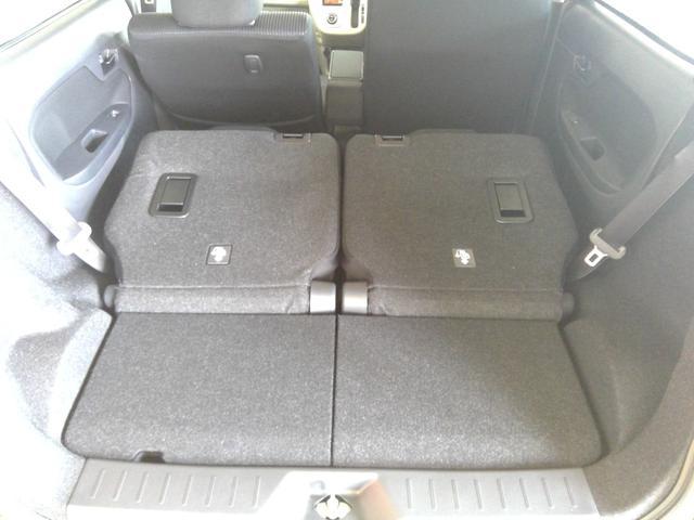 XリミテッドII SAIII 4WD スマートアシスト アイドリングストップ VSC(横滑り抑制機能) オーディオレス プッシュスタート オートエアコン オートライト 運転席シートヒーター アルミホイール(30枚目)