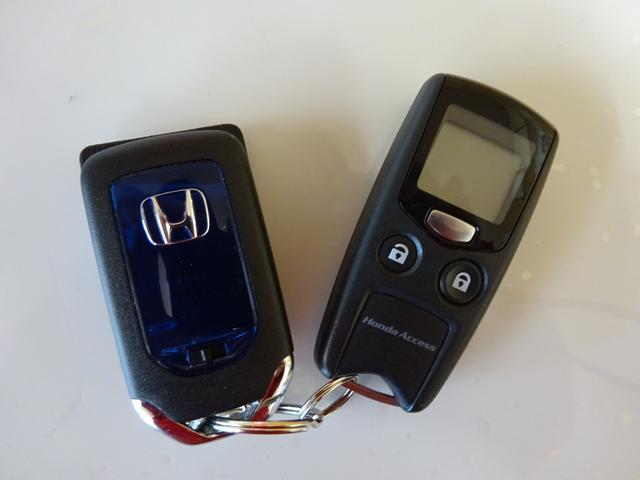 ホンダ シャトル ハイブリッドZ 純正インターナビ ワンオーナー 4WD