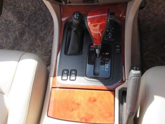 シグナス レザーシート サンルーフ 純正ナビ アクティブハイトコントロールサスペンション シートヒーター デュアルエアコン CDチェンジャー クルーズコントロール 運転席メモリー機能付きパワーシート(17枚目)